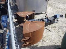 Clamshell Bucket & Hydraulic Le