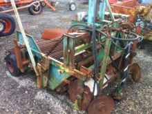 Stock harvester with tie bars
