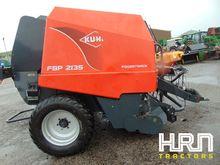 Kuhn FB2135 Powertrack