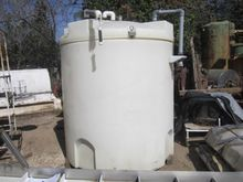 Used Tank, 900 Gallo