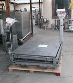Used (2) Scale, Plat