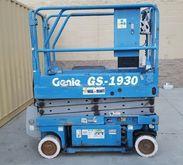 Used 2000 Genie GS-1