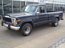 1983 Chrysler Jeep J10 Laredo