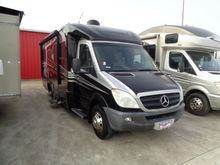 2010 WINNEBAGO 524DL