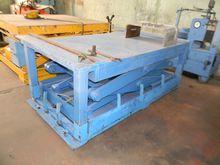 TABLE hydraulic RAISABLE