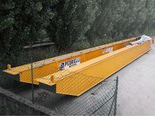 Used bridge crane Pe