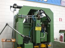 Automatic beam punch line with