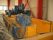 Crane carrying 35 ton