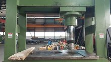 Hydraulic workshop press with m