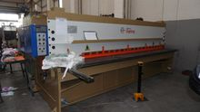 "GUILLOTINE SHEAR HYDRAULIC ""F.L"