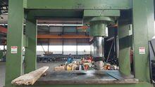 Hydraulic workshop press with m