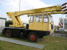 Used slewing crane M
