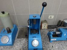 Compactness test machine