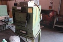 Electric oven for temperign