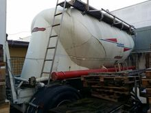 1999 Semitrailer with tank Mist