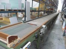 Motorized roller conveyor belt