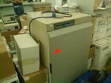 Used CO2 incubator i