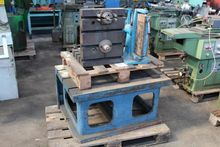 Cube radial magnetic chuck and