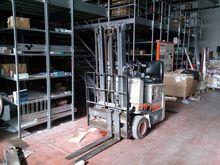 OM lift trucks and pallet truck