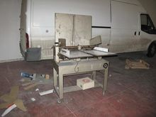 Perforating and creasing machin