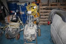Used Graco 795 in Fa