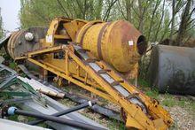 Concrete mixing equipment