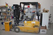 Used Forklift Yale i