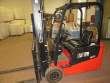 2012 Lift truck and pallet truc