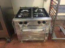 4-burner kitchen