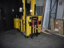 Hyster van and Blizzer pallet t