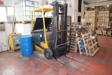 Robustus forklift and Bassi Gro