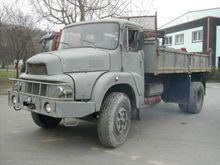 1976 UNIC 220 Truck