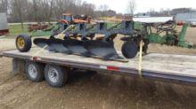 John Deere 2600 Plough