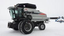 2008 Gleaner R75 Combine harves