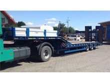 2015 3-axle low loader semi-tra