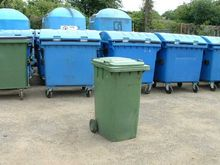 CONTAINERS FOR WASTE USED 240L