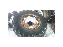 Around 18,4-34 wheels c385,912,