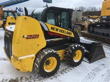 2016 NEW HOLLAND L221