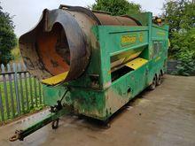 McCloskey 512 Wheeled Trommel