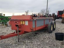 Used GEHL 325 in Her