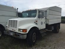 1991 INTERNATIONAL 4700 4x2