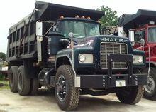 1988 MACK RD690SX