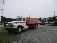 1996 MACK RD688S