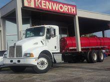 2003 KENWORTH T300