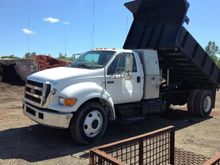 2004 FORD F650 SD