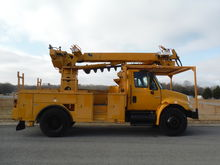 2003 INTERNATIONAL 4400 DT 466