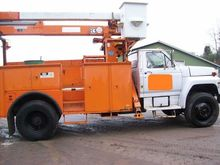 Used 1983 FORD F800