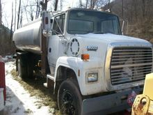 1991 FORD LT8000