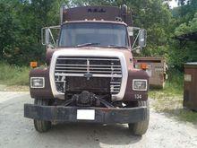 1994 FORD L8000