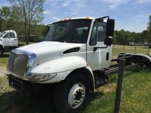 2007 INTERNATIONAL 4300 SBA 4X2